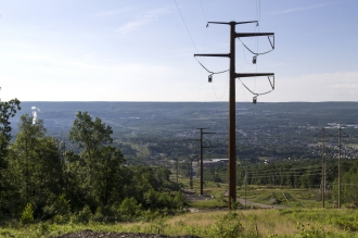 Michels built 3.8 miles of 230kV triple-bundle transmission line to connect the Lackawanna substation to a new substation.
